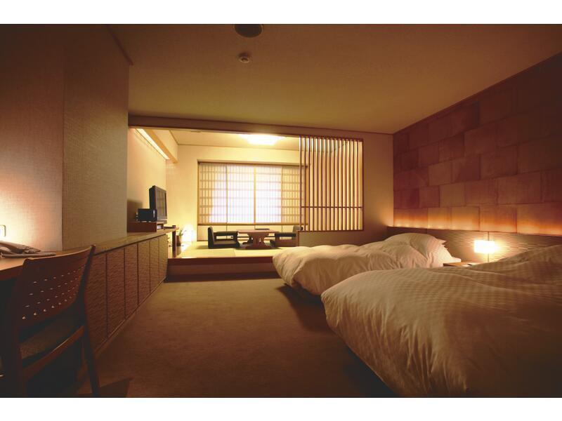 和洋式房+檜木溫泉室內風呂(2張床) (Japanese/Western-style Room with Indoor Hot Spring Cypress Bath (2 Beds))
