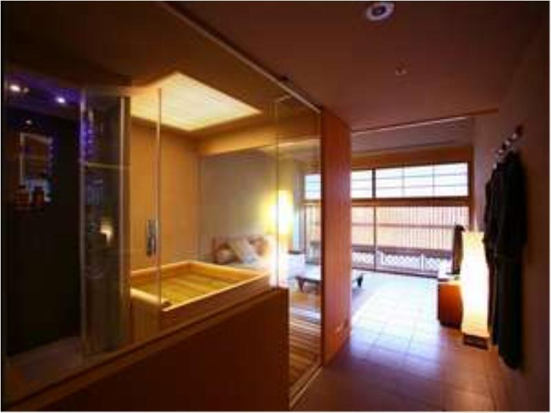 Luxury Twin Room with Living Room Spa Bath