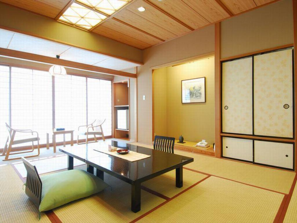 Japanese-style Room (Gagyutei Wing) - Guestroom