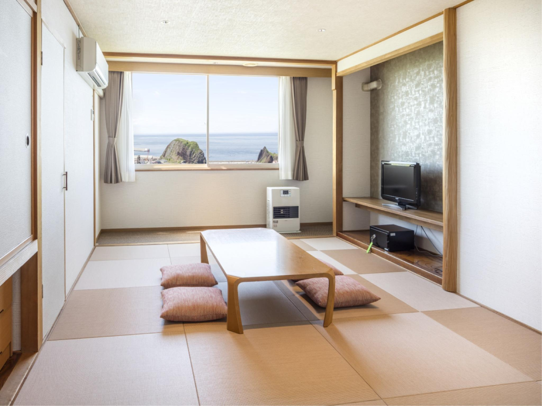 Japanese-style Room (Top Floor) *No bath in room