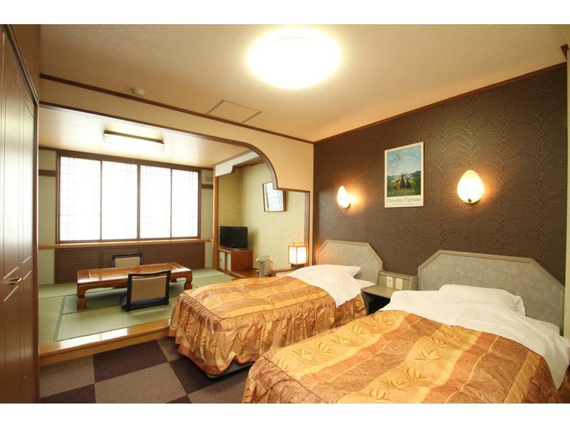 和洋式房 *2020年4月1日起禁菸 (Japanese/Western-style Room (*Non-smoking from 2020/4/1))