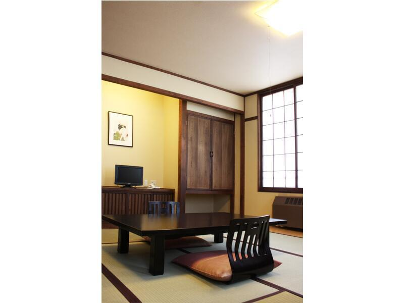 本館客室|8畳 (Japanese Style Room Main Building)