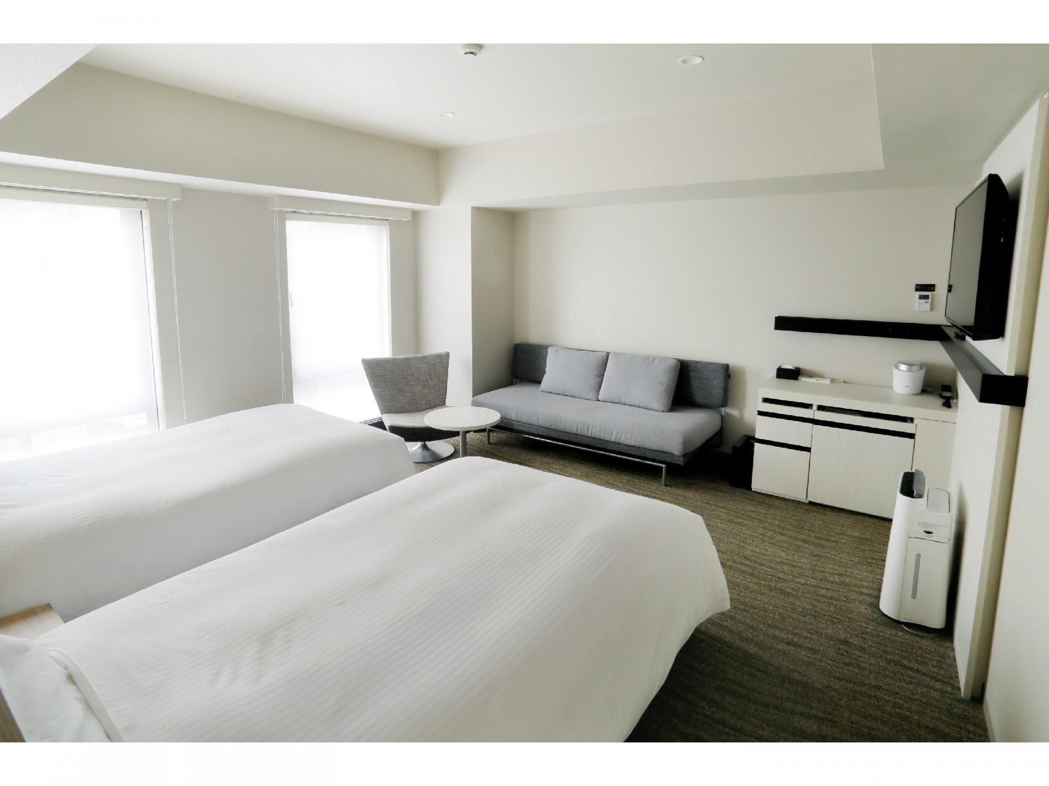 Premier Twin Room (Twin Beds + Sofa Bed)