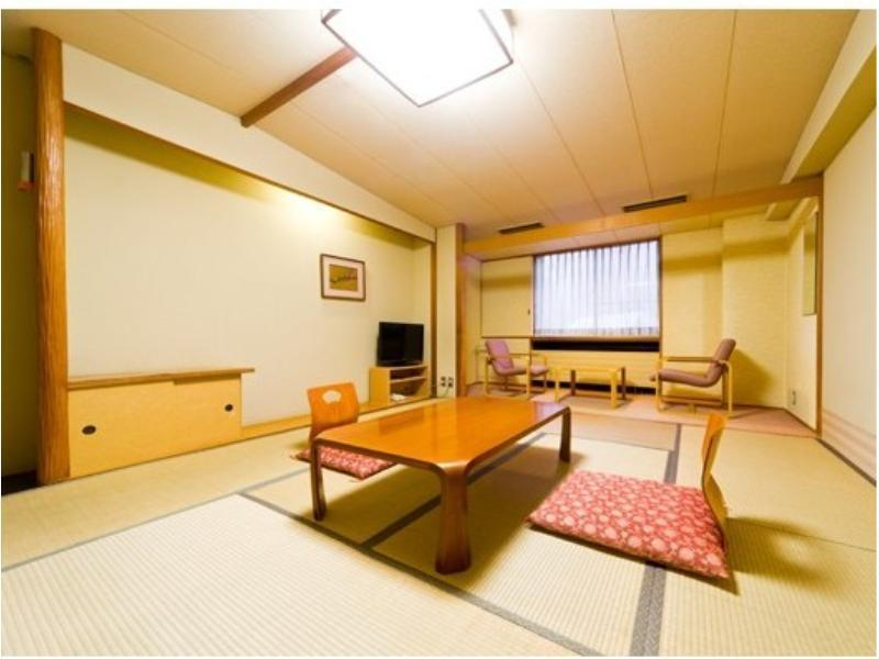 西館 標準和式房 (Japanese-style Room (West Wing) <Meal: Japanese-style Meal / Served at Restaurant Yunosato>)
