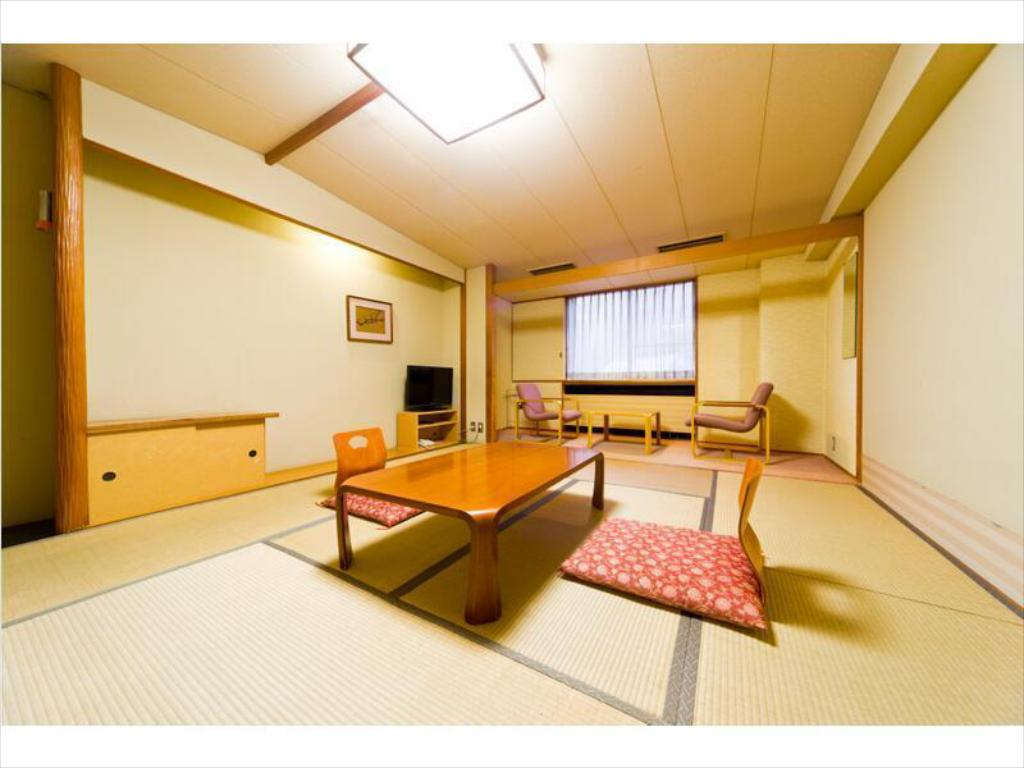 Japanese-style Room (West Wing) (Meal: Buffet Meal / Served at Restaurant) - ห้องพัก