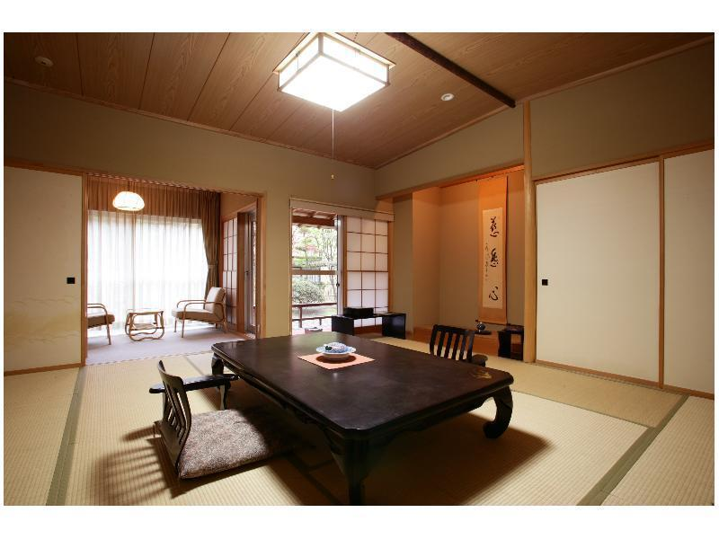 Japanese-style Room with Hiroen Space (New Building/East Wing)