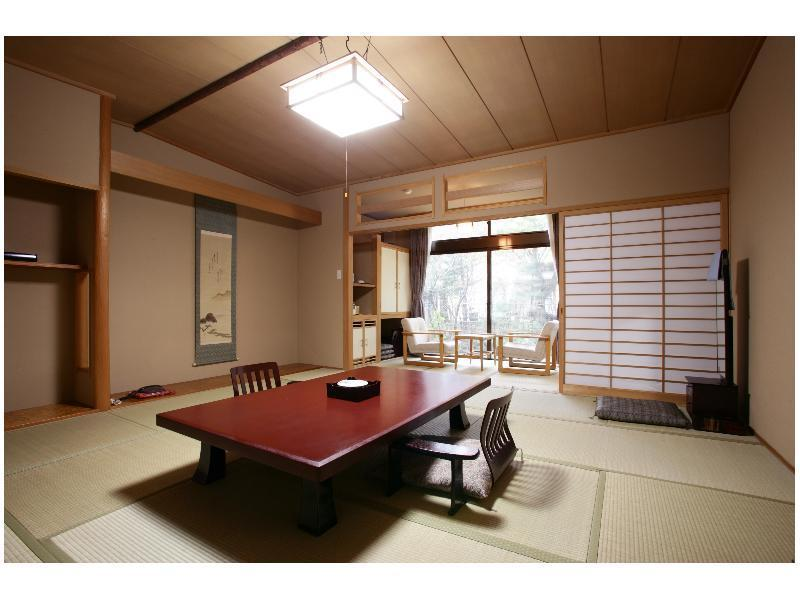 Japanese-style Room with Hiroen Space (Main Building/South Wing)