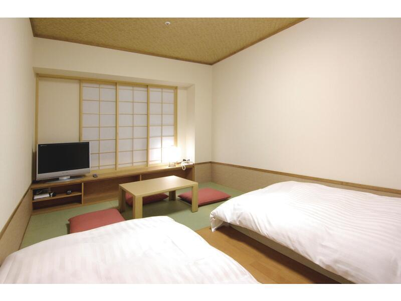 Japanese-style Twin Room (Upper Floors)