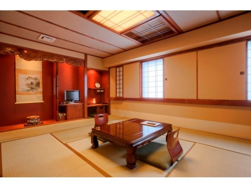 다다미 객실(실내히노키탕) (Japanese-style Room with Indoor Cypress Bath)