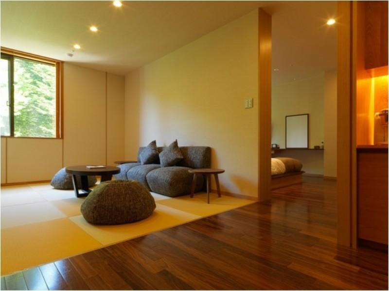 和洋室|52平米 (Japanese/Western-style Room with Massage Chair (2 Beds))