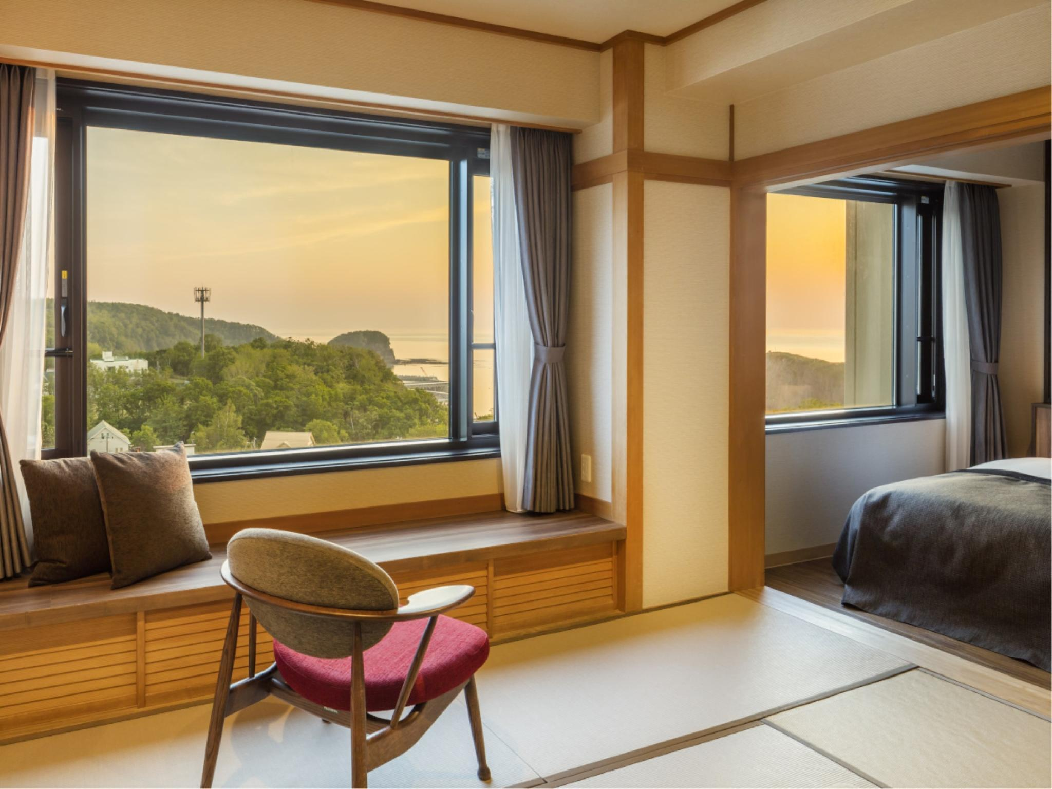 高层 日落豪华和洋式房(2018年新改装) (Sunset Deluxe Japanese/Western-style Room (Upper Floors) *Refurbished 2018)