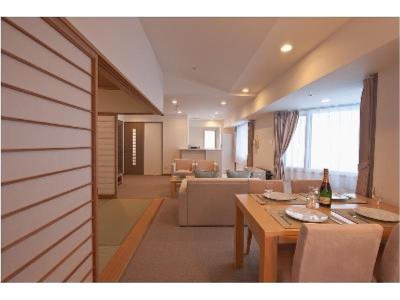 和洋式房 (Premium Suite with Tatami (2 Beds, East Tower))