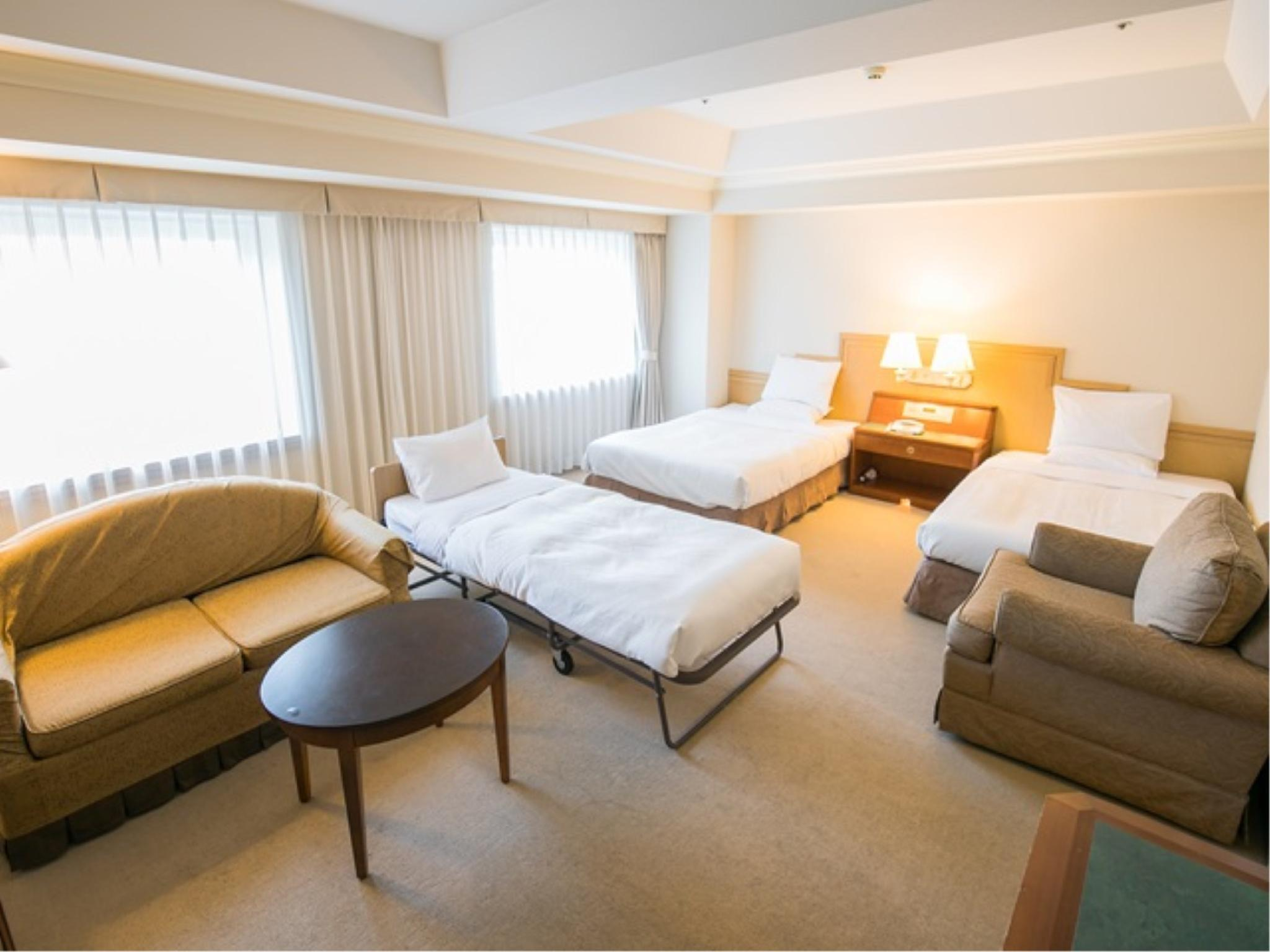 高階樓層 豪華三人房 (Deluxe Triple Room (Upper Floors))