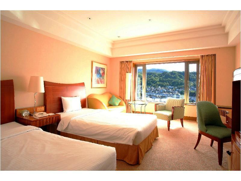 Deluxe Twin Room (Mountain View)
