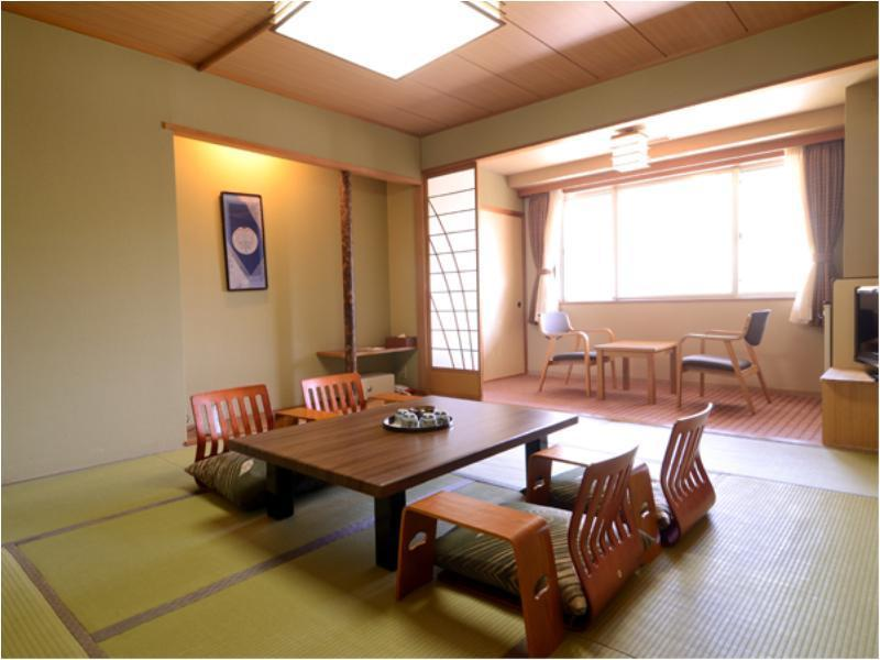 Japanese-style Room (Upper Floors)