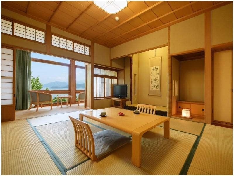 本館 一般和室 禁煙  (Japanese-style Room *Lake may not be completely visible in summer months)