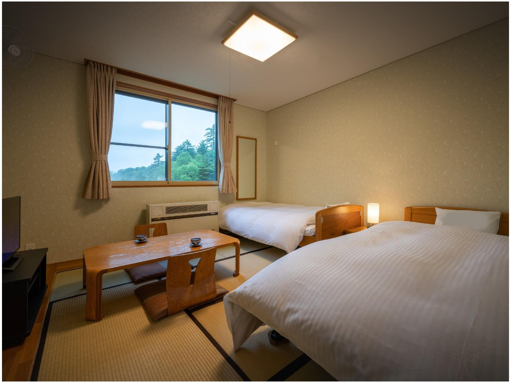 Japanese-style Room (Twin Beds, West Wing)