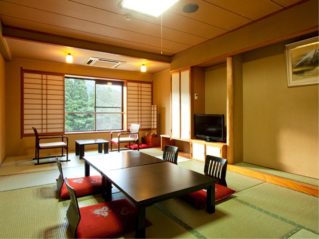 Japanese Style Room - Guestroom Plaza Hotel Sanrokuso