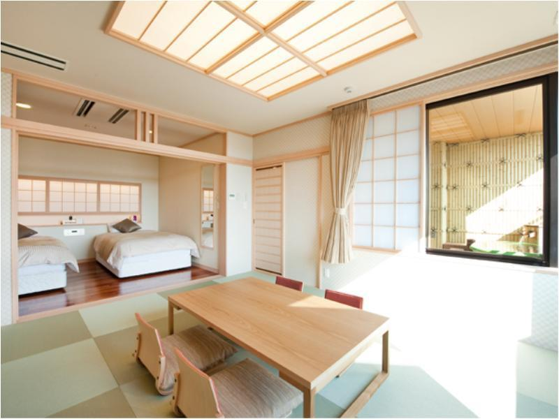 Japanese/Western-style Room with Open-air Bath (Scenic View Floor)