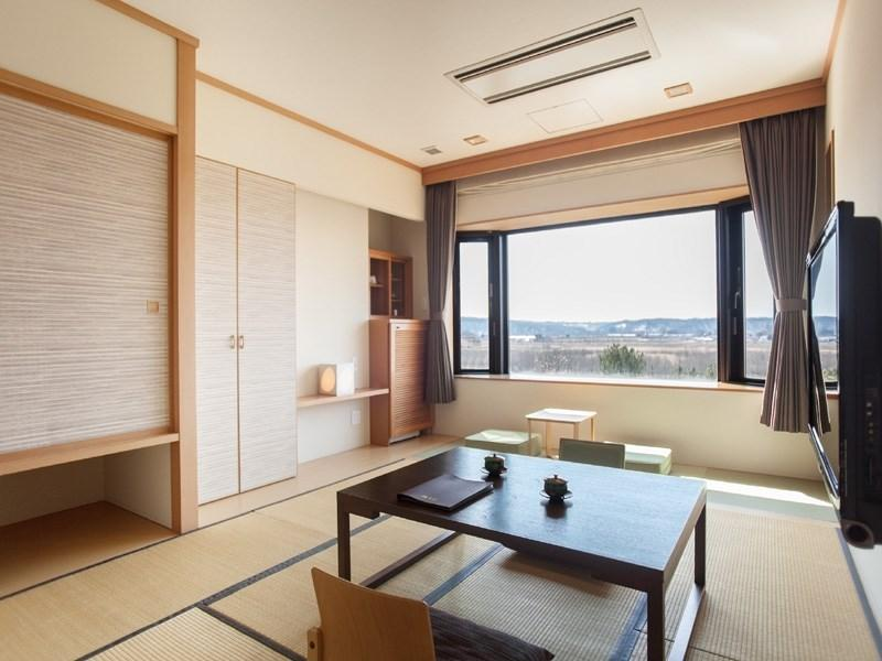 Connecting Room (Japanese-style Room + Twin Room, Top Floor)