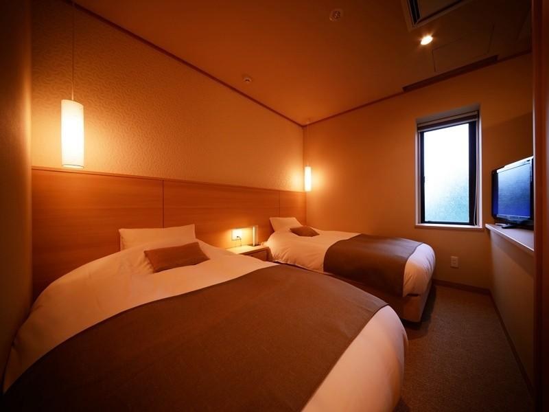 和洋式房 (Japanese/Western-style Room with Cypress Bath (2 Beds, New Building))
