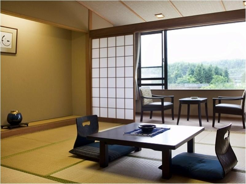 りんどう館【本館】<和室10畳>|10畳+踏込0.5畳 (Japanese-style Room (Rindo Main Building))