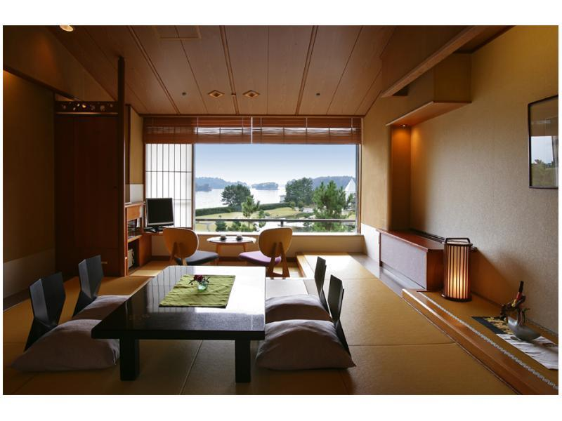 Japanese-style Room (Scenic View)