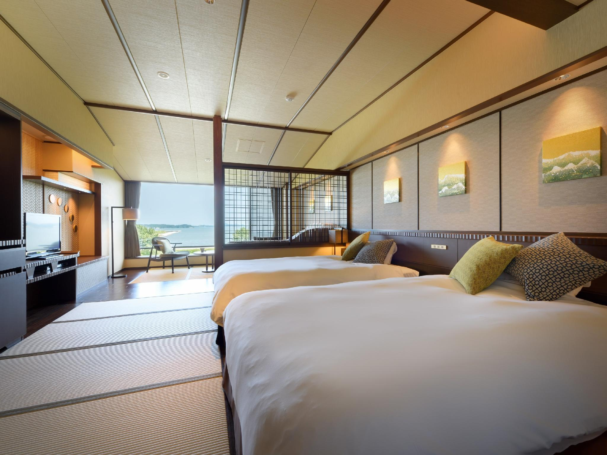 Japanese-style Room with Beds*Has shower, no bath in room