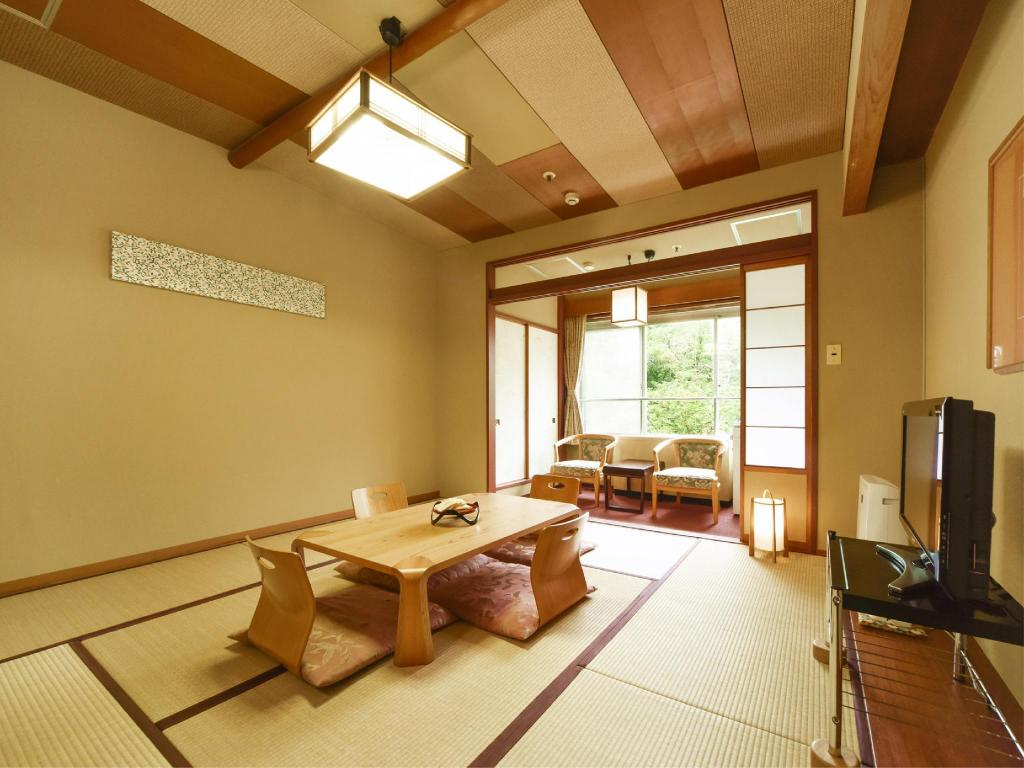 Japanese-style Room (East Wing) *No bath in room - Guestroom