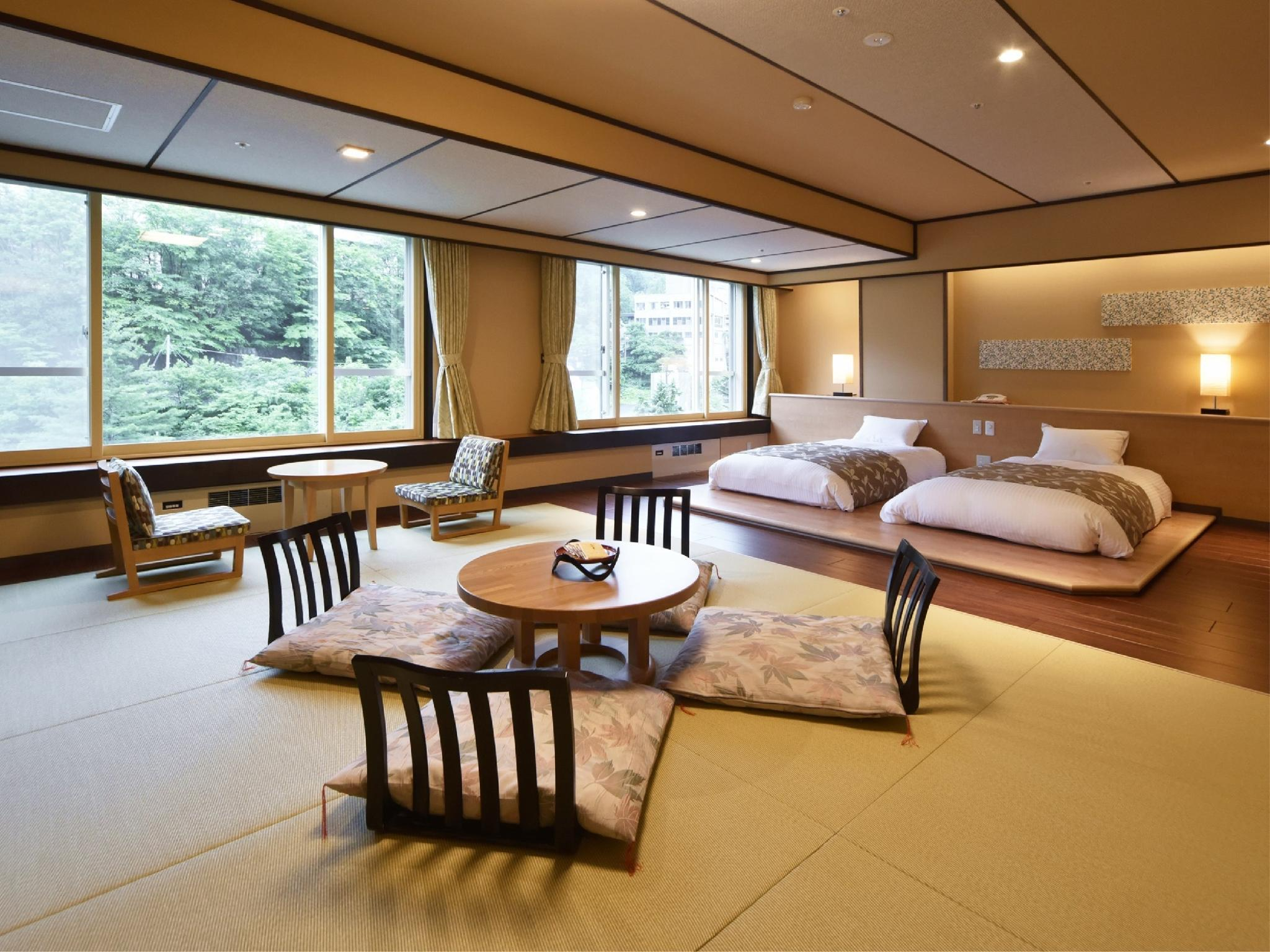 Modern Japanese/Western-style Room (Central Wing)