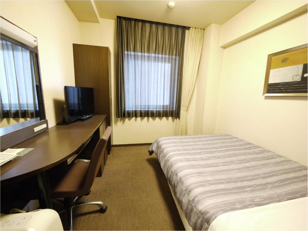 Single Room (Main Building) - Guestroom Hotel Route Inn Chitose Eki-mae
