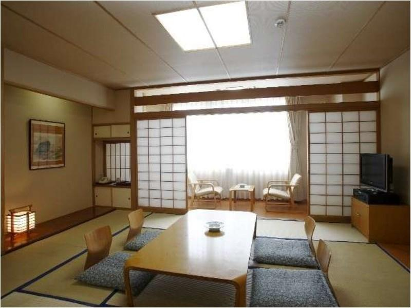 Japanese-style Room *Smoking
