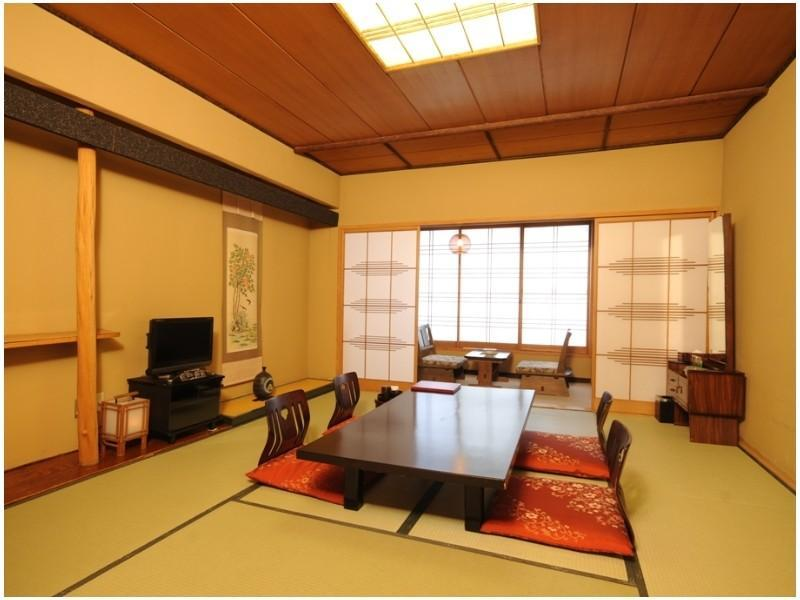 東館 和室 喫煙 (Japanese-style Room (East Wing))