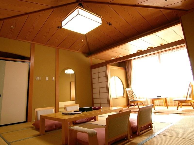 Japanese-style Room (Shikitei Wing)