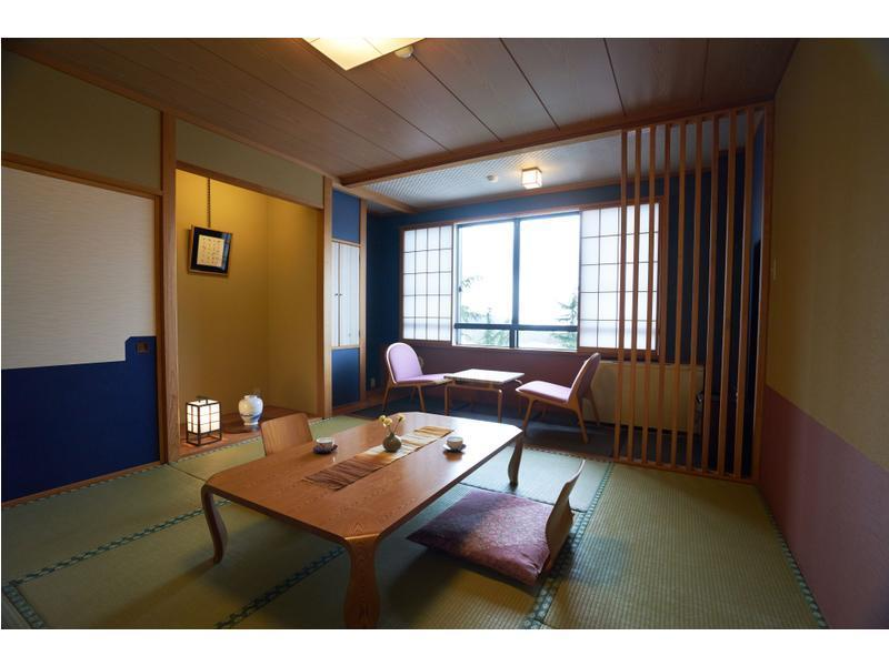 Club Room (Japanese-style Room, 3 Japanese Beds)