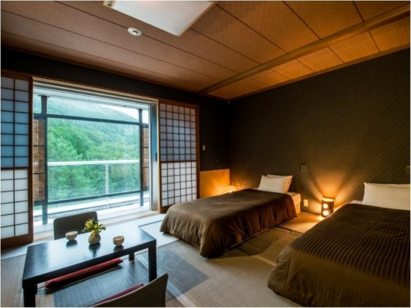 Japanese-style Corner Room with Semi Open-air Bath *Has bath