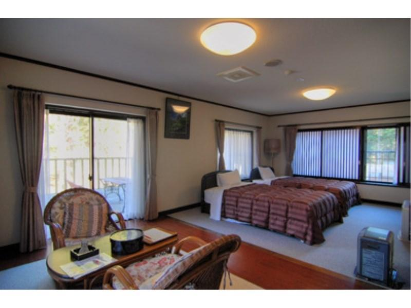 Twin Room with Balcony (Semi-double Beds, Buna-no-Ma Type)