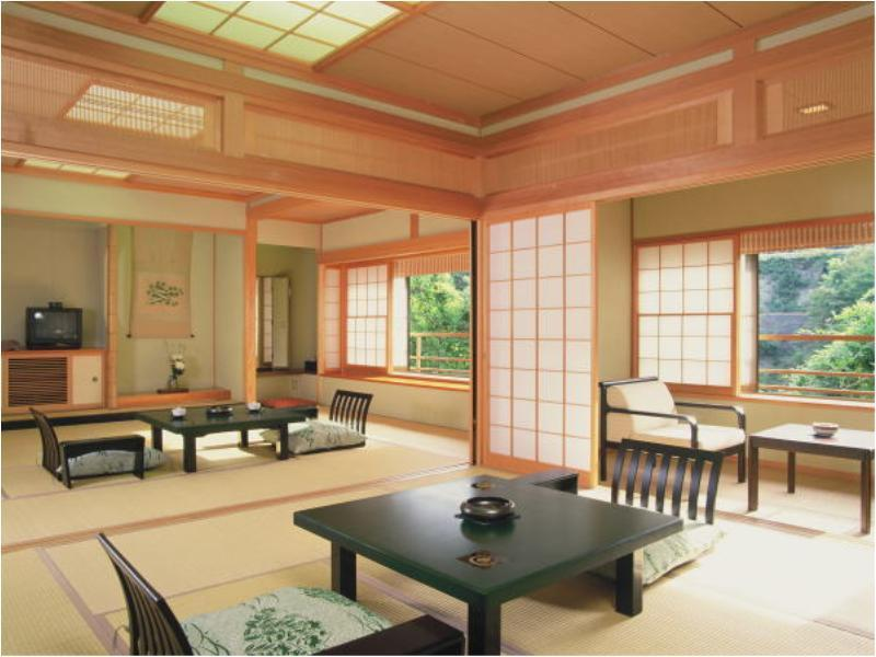 和式房 (Japanese-style Room with Hot Spring Bath (Mountain Steam View))