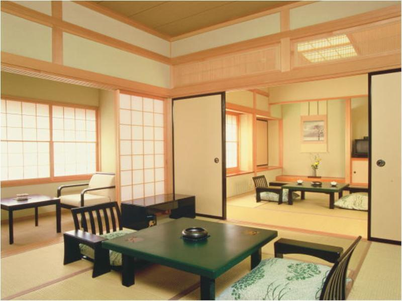 和式房+室内温泉浴池 (Japanese-style Room with Indoor Hot Spring Bath)