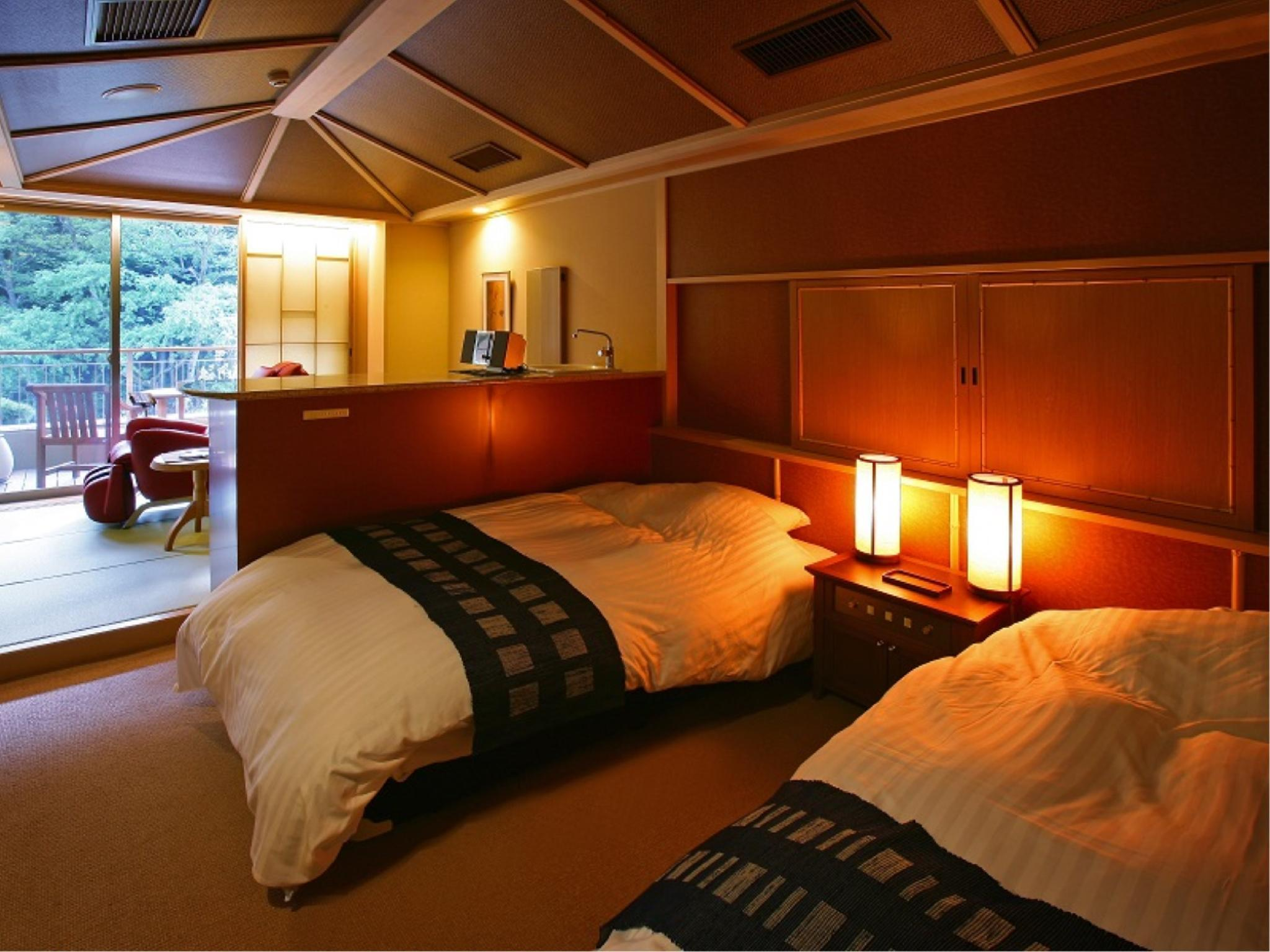 Universal Design Japanese/Western-style Room (Type B)
