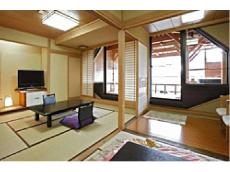 Japanese-style Room with Open-air Hot Spring Bath (East Wing)
