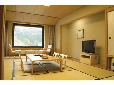 和室|10畳 (Japanese-style Room (East Wing))