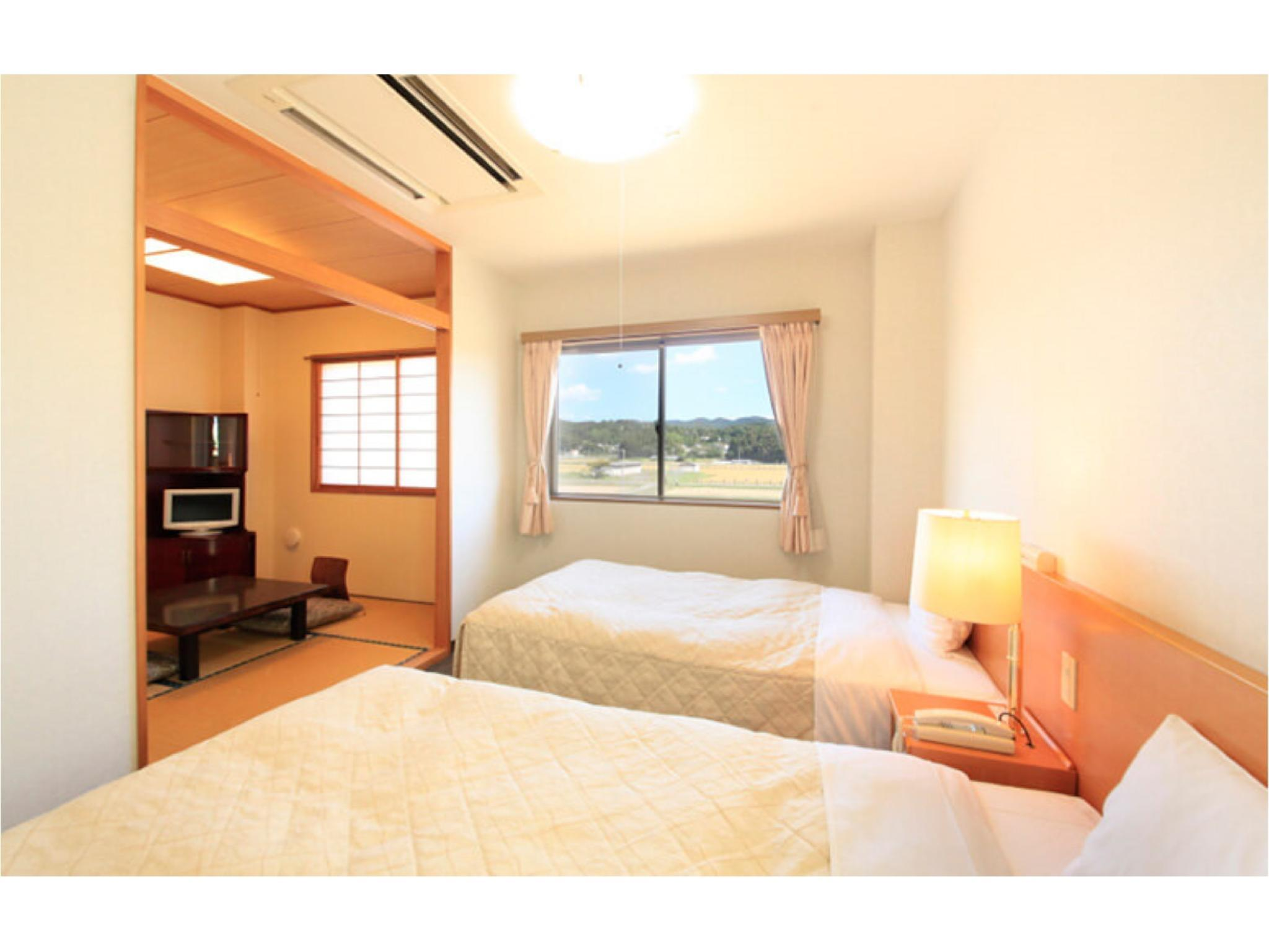 Japanese/Western-style Room (Twin Beds + Japanese-style Room)