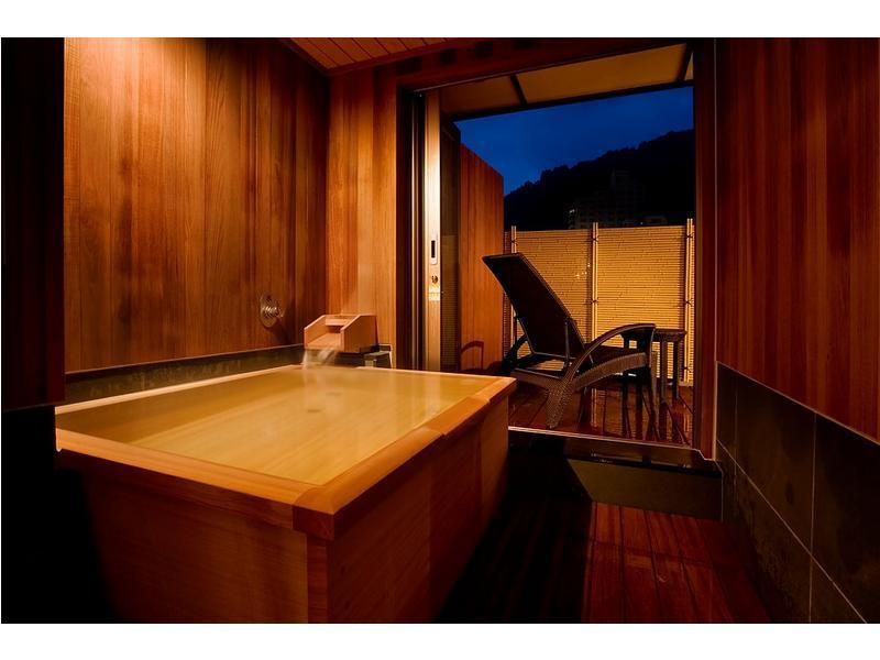 和洋室|20平米+次の間6畳+踏込2畳 (Japanese/Western-style Room with Open-air Bath (2 Beds))