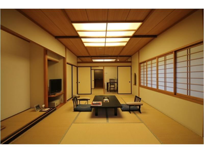 月代 和式房+露台 (Japanese-style Room with Terrace (Tsukishiro Type))
