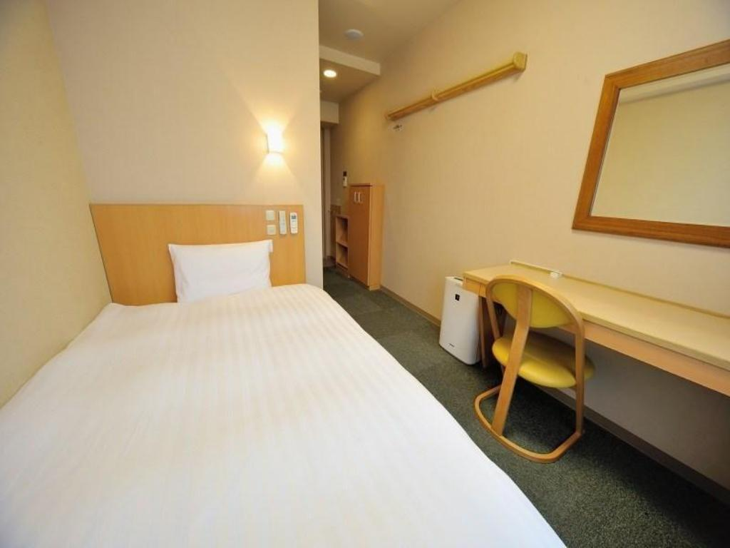 Economy Single Room (Type B) *No bath or shower in room - Guestroom Dormy Inn Niigata