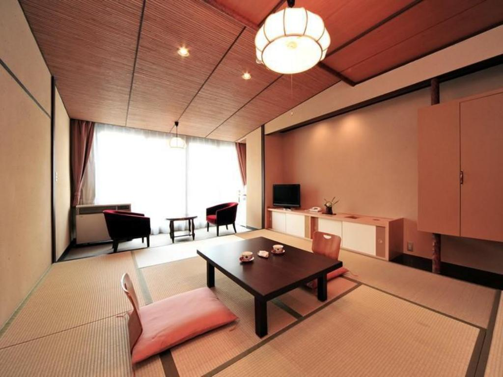 Showa-style Japanese-style Room (Nanryu Wing) - Guestroom