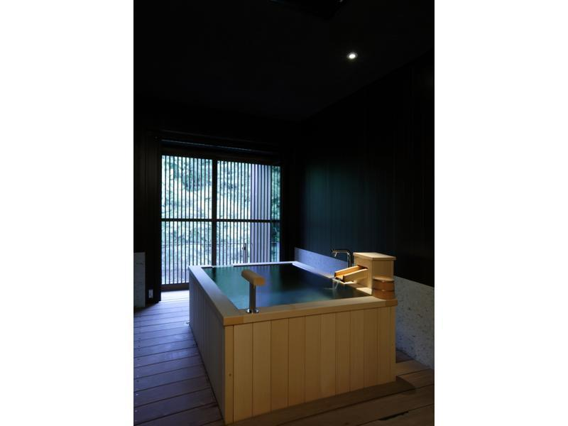 和洋式房 (Special Japanese/Western-style Room with Scenic View Bath (2 Beds))