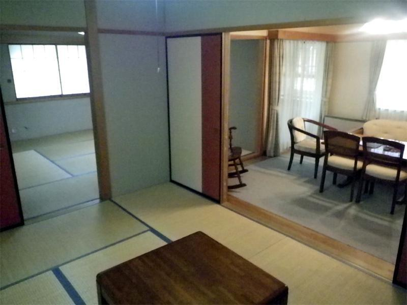 和洋式房 (Japanese/Western-style Room (2 Beds, Azalea Cottage))