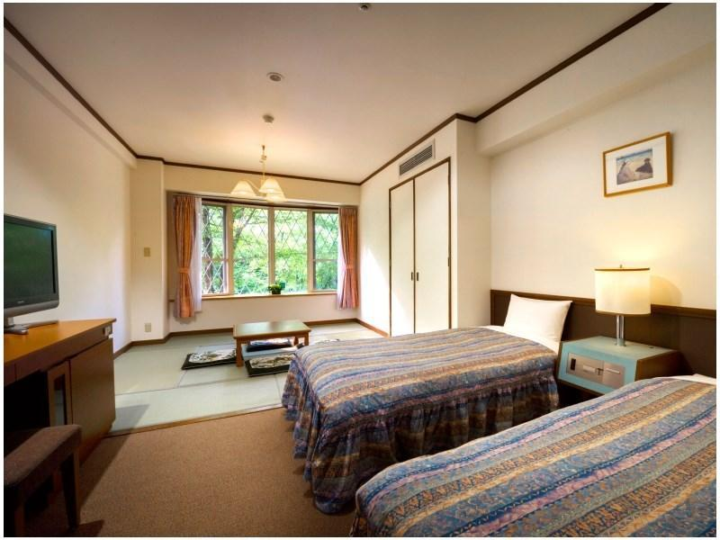 Japanese/Western-style Room (Connection Wing) (Japanese/Western-style Room (2 Beds, Connection Wing))